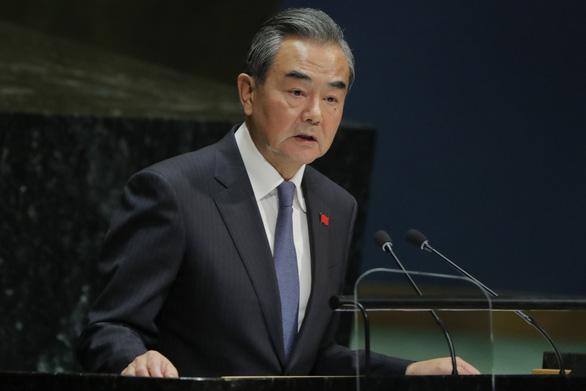 Nhật nhắc nhở Trung Quốc: Mấy ông mới là nước có nhiều tên lửa tầm trung - Ảnh 1.