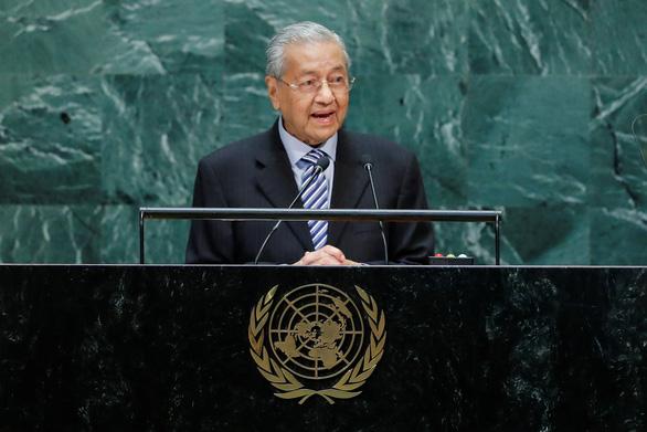 Thủ tướng Malaysia Mohamad Mahathir nộp đơn từ chức - Ảnh 1.