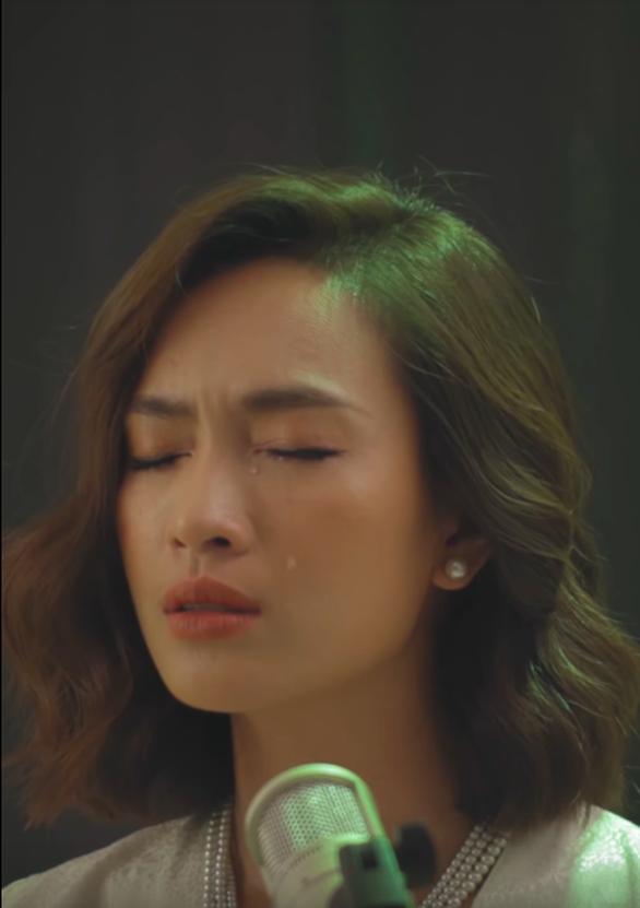 Cover ca khúc phim, Ái Phương làm sống lại những ký ức cùng Họa bì - Ảnh 3.