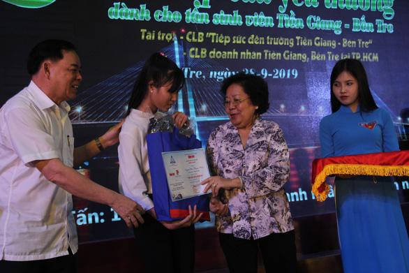 86 suất học bổng đến với tân sinh viên khó khăn Bến Tre, Tiền Giang - Ảnh 3.