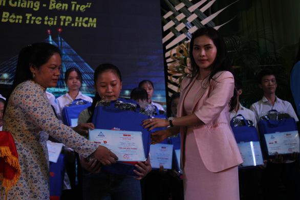 86 suất học bổng đến với tân sinh viên khó khăn Bến Tre, Tiền Giang - Ảnh 6.