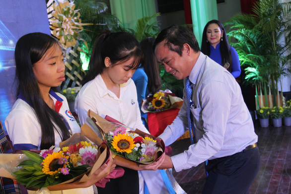 86 suất học bổng đến với tân sinh viên khó khăn Bến Tre, Tiền Giang - Ảnh 11.