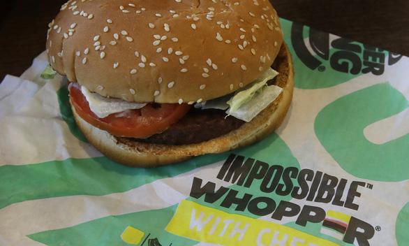 Giới fast-food chạy đua làm bánh burger chay - Ảnh 2.