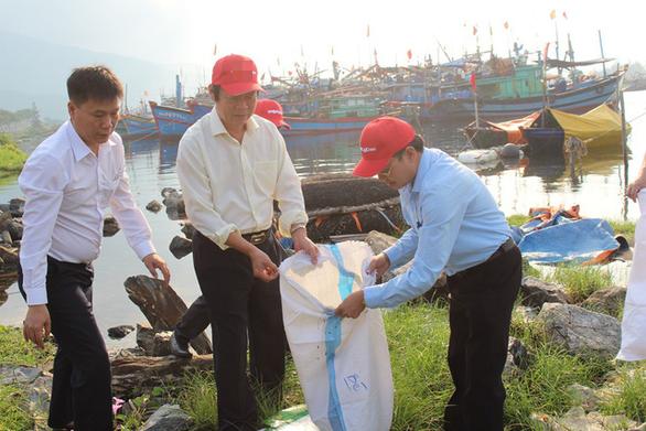 Rác thải nhựa tăng 200%, Việt Nam đối mặt nguy cơ thành bãi rác toàn cầu - Ảnh 1.