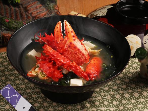 Cùng thực khách sành ăn thưởng thức cua Hanasaki - Món ngon trong mùa Nhật Bản - Ảnh 1.