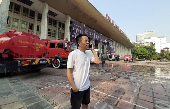 Nghệ sĩ chia buồn với Quang Hà vì live show gặp hỏa hoạn trước giờ diễn - Ảnh 1.