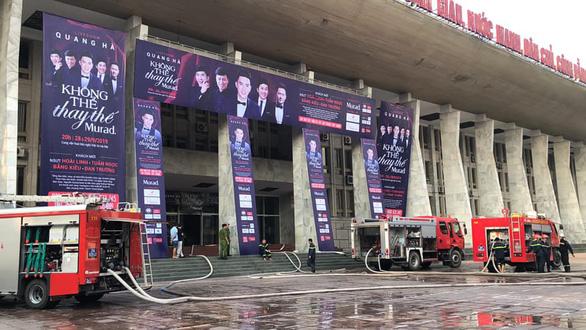 Nghệ sĩ chia buồn với Quang Hà vì live show gặp hỏa hoạn trước giờ diễn - Ảnh 3.