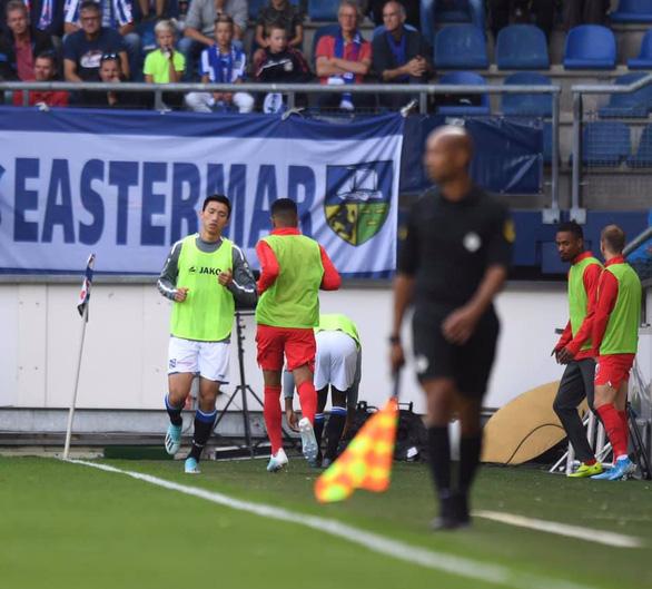 Văn Hậu chưa được chào sân ở Hà Lan dù Heerenveen thắng đậm Venlo - Ảnh 1.