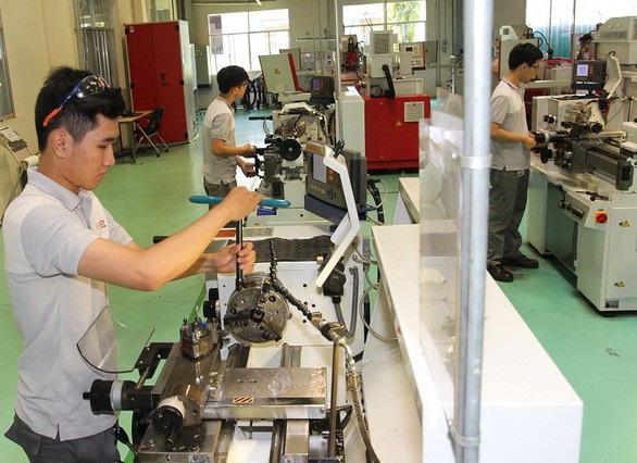 Nghị quyết của Bộ Chính trị: Tham gia Cách mạng công nghiệp 4.0 để bứt phá - Ảnh 2.