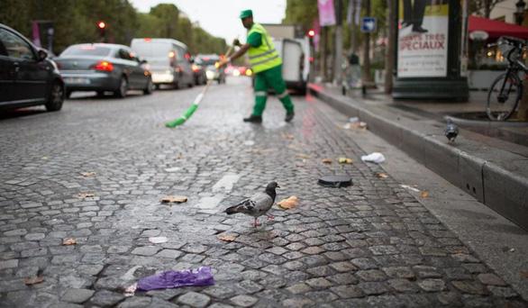 Paris bẩn như ở thế giới thứ ba - Ảnh 1.