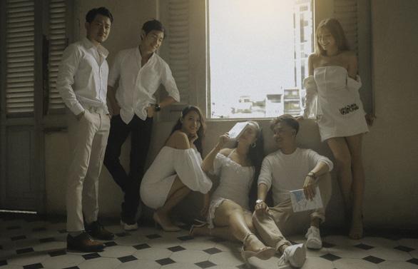 Học ở Mỹ, Hương Tràm vẫn ra MV Chúng ta không có sau này - Ảnh 3.