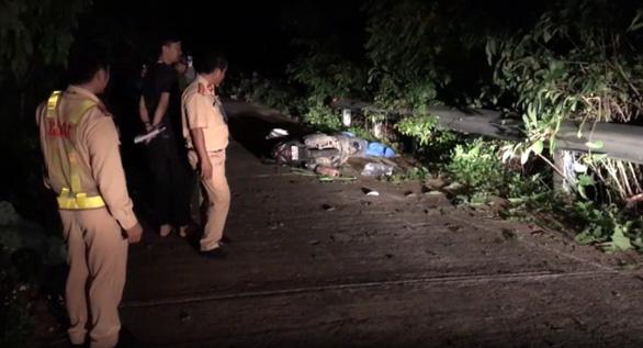 Lại có du khách tử vong khi đi xe máy trên bán đảo Sơn Trà - Ảnh 1.