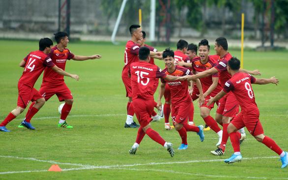 Không lo Thái Lan chơi thế nào, mà phải chọn đội hình Việt Nam ưng ý nhất  - Ảnh 1.