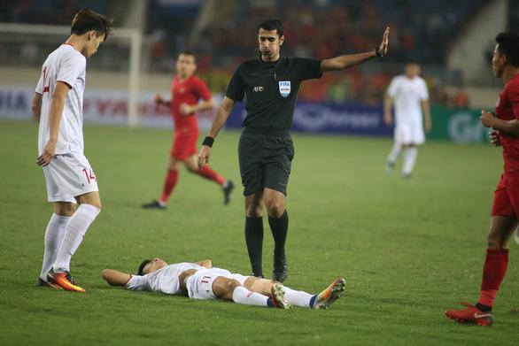 Tuyển Việt Nam gặp lại vị trọng tài quen thuộc ở trận đấu với Thái Lan - Ảnh 1.