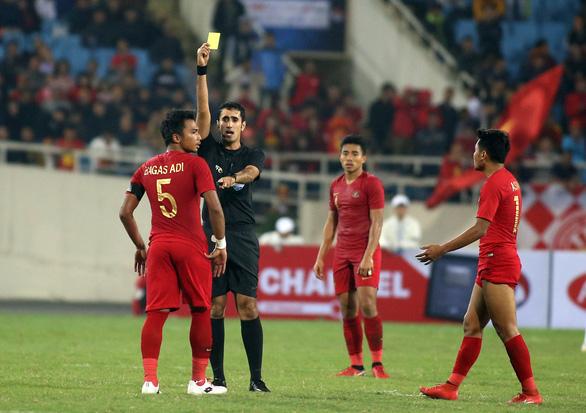 Tuyển Việt Nam gặp lại vị trọng tài quen thuộc ở trận đấu với Thái Lan - Ảnh 2.