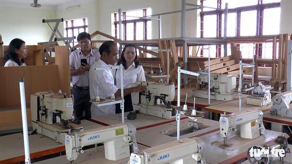 Trung tâm dạy nghề hơn 23 tỉ đồng, 10 năm mở được vài lớp - Ảnh 2.