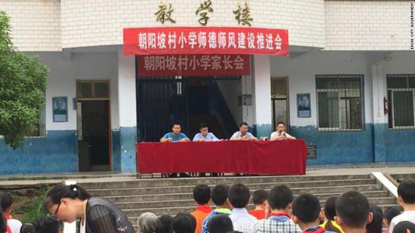 Trung Quốc: Tấn công trong ngày khai giảng, 8 học sinh tiểu học thiệt mạng - Ảnh 1.