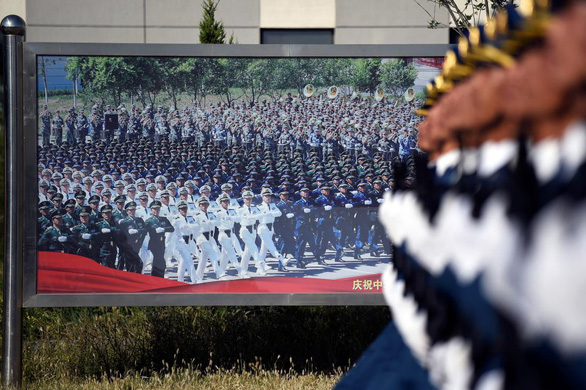 Trung Quốc tặng hơn 620.000 TV cho dân xem duyệt binh mừng quốc khánh - Ảnh 1.