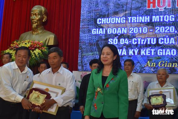 Người dân An Giang đóng góp trên 1.477 tỉ đồng xây dựng nông thôn mới - Ảnh 2.
