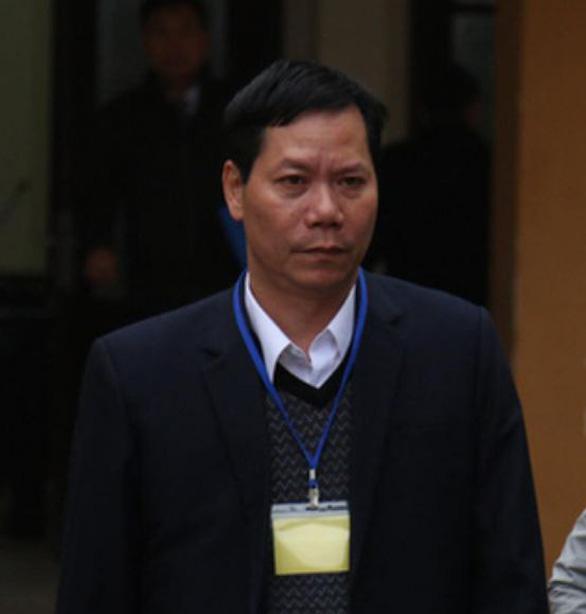 Khai trừ đảng nguyên giám đốc Bệnh viện Đa khoa tỉnh Hòa Bình - Ảnh 1.