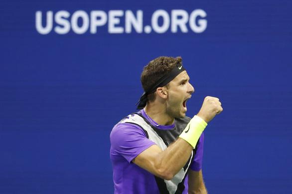 Thắng ngược 'tàu tốc hành', 'tiểu Federer' vào bán kết Mỹ mở rộng - Ảnh 2.