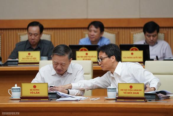 Thủ tướng Nguyễn Xuân Phúc nhắn tin ủng hộ người nghèo - Ảnh 4.