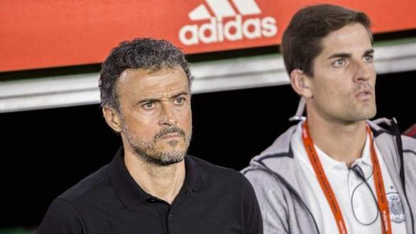 Vì tình bạn, HLV Moreno sẵn sàng trả tuyển Tây Ban Nha lại cho Enrique - Ảnh 1.