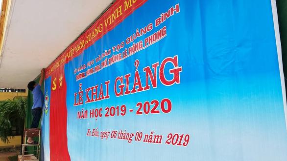 Hàng trăm trường tại Quảng Bình, Quảng Trị phải hoãn khai giảng vì lũ - Ảnh 1.