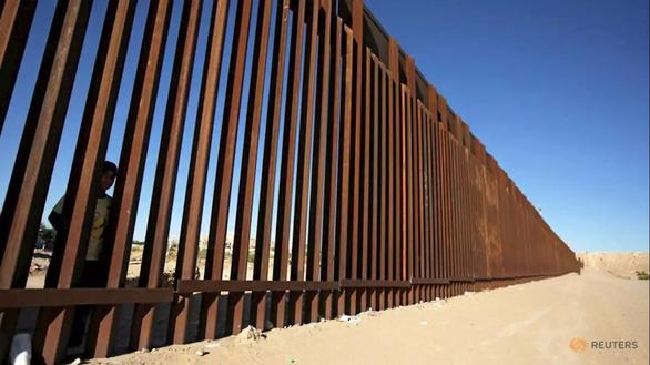 120 dự án của quân đội Mỹ bị ảnh hưởng vì bức tường biên giới - Ảnh 1.