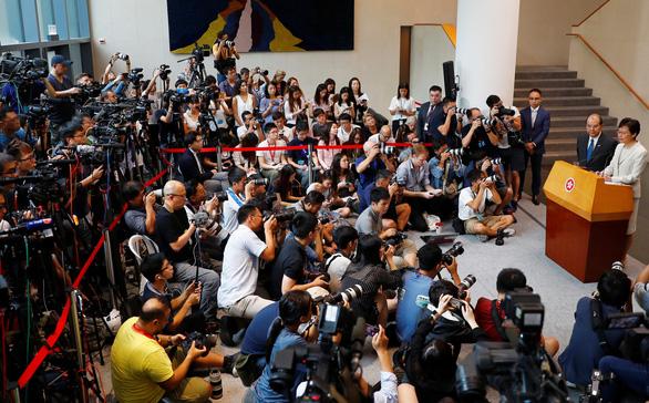 Bà Carrie Lam nêu 4 giải pháp, trong đó chính thức rút dự luật dẫn độ - Ảnh 2.