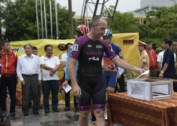Hủy chặng 5 Cuộc đua xe đạp VTV Cúp vì mưa bão - Ảnh 1.