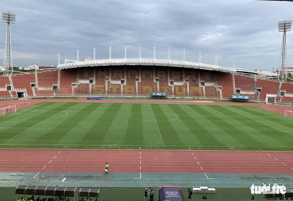 Nhận diện sân Thammasat nơi Thái Lan và Việt Nam quyết đấu - Ảnh 4.