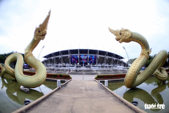 Nhận diện sân Thammasat nơi Thái Lan và Việt Nam quyết đấu - Ảnh 1.