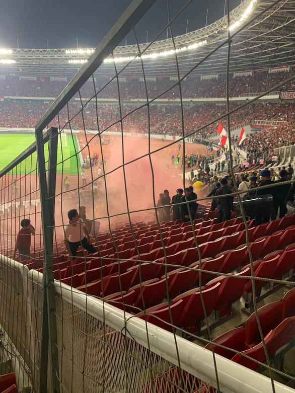 Bộ trưởng Indonesia xin lỗi về vụ khủng bố trên sân Bung Karno - Ảnh 3.