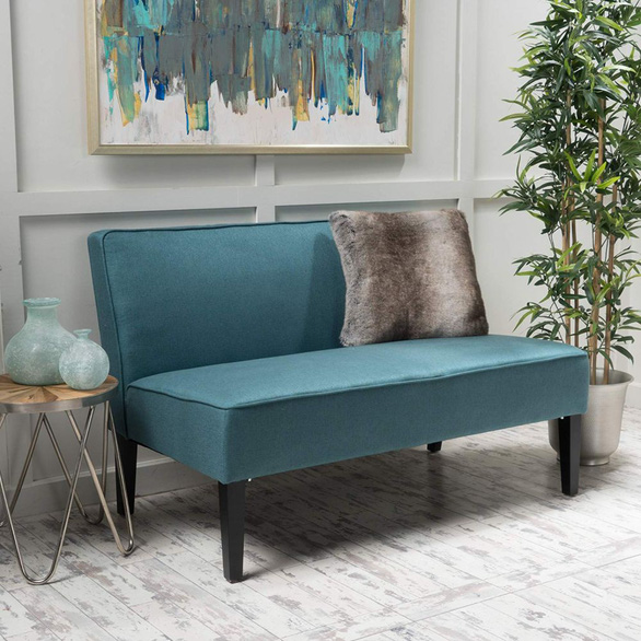 Nhà nhỏ mà lại thích sự ấm cúng, hãy chọn sofa đôi - Ảnh 2.