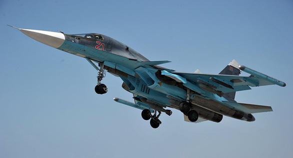 Do lỗi phi công, hai máy bay hiện đại của Nga dính nhau trên không - Ảnh 1.