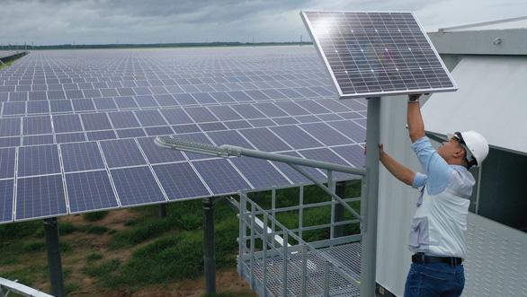 Khánh thành cụm năng lượng mặt trời Dầu Tiếng, lớn nhất Đông Nam Á - Ảnh 2.