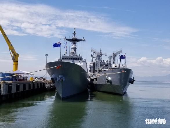 Tàu huấn luyện Hải quân Hàn Quốc cập cảng Tiên Sa - Ảnh 1.
