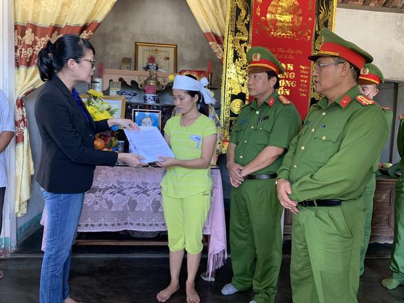 Hỗ trợ gia đình người tử nạn khi cứu du khách tại Sơn Trà 125 triệu đồng - Ảnh 1.