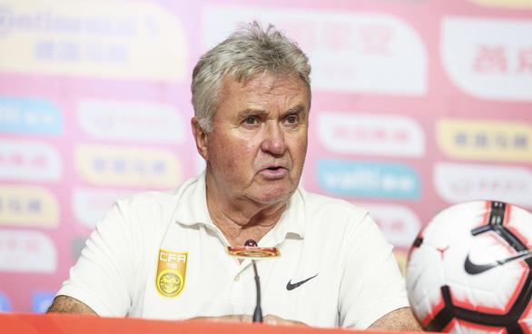 HLV Guus Hiddink thừa nhận U22 Việt Nam quá mạnh - Ảnh 1.