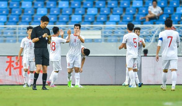 U22 Trung Quốc - U22 Việt Nam 0-2: HLV Park Hang Seo hài lòng - Ảnh 1.