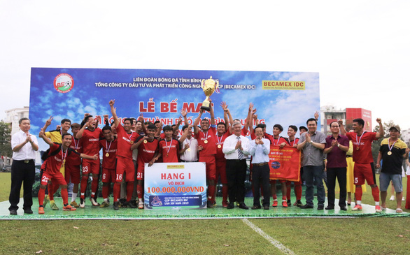 100 triệu đồng cho đội vô địch Giải bóng đá Thành phố mới Bình Dương - Ảnh 1.