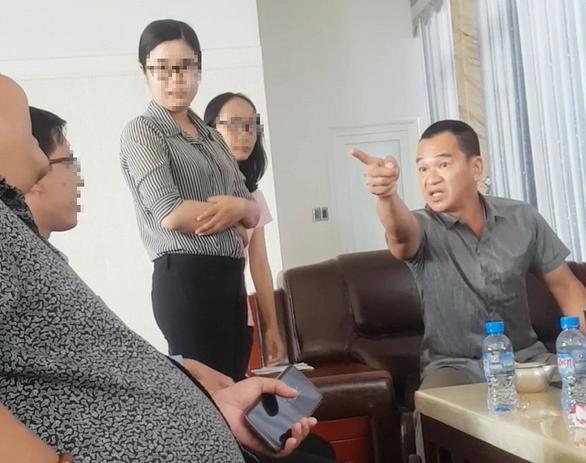 Chủ doanh nghiệp dọa nhà báo ở Sóc Trăng: Tôi mất bình tĩnh - Ảnh 1.