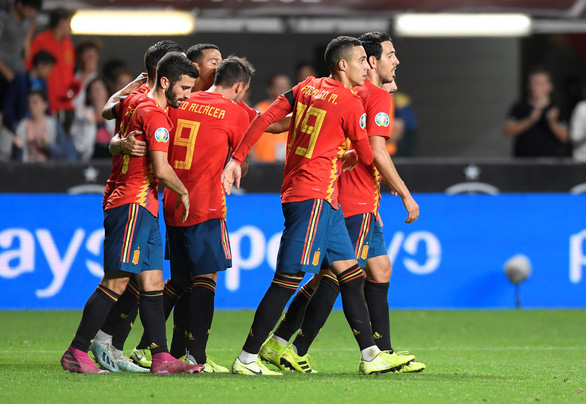 Tây Ban Nha và Ý cùng thắng tuyệt đối ở vòng loại Euro 2020 - Ảnh 1.