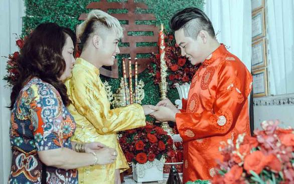 Hôn nhân cùng giới tính - Kỳ 4: Tình riêng và nghĩa chung - Ảnh 1.