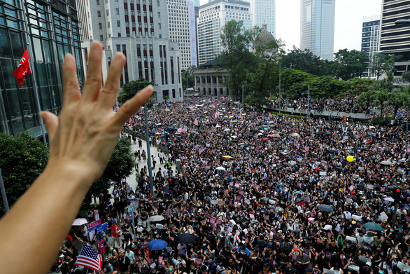 Báo Trung Quốc nói không dung thứ chủ trương ly khai tại Hong Kong - Ảnh 1.