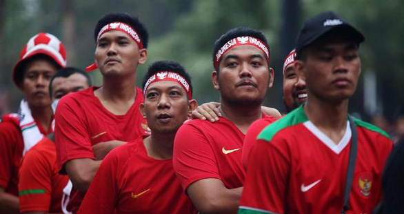 Vé trận gặp Thái Lan ế vì sợ bạo động, Indonesia phải hạ giá - Ảnh 1.