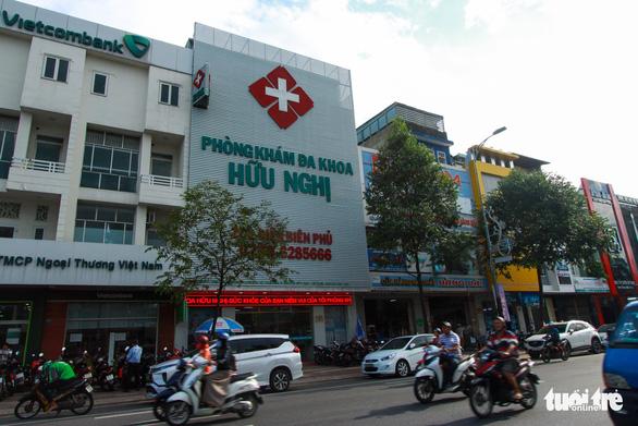 Đề nghị tước giấy phép phòng khám có bác sĩ Trung Quốc tại Đà Nẵng - Ảnh 1.