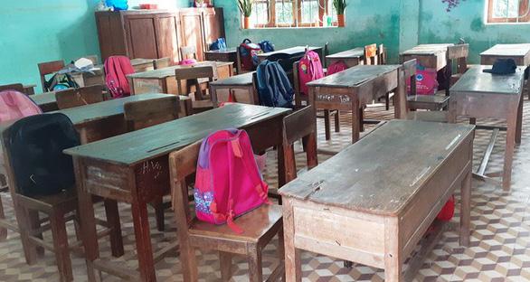 Hàng trăm trường khai giảng bù sau mưa lũ - Ảnh 13.