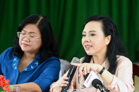 Bộ trưởng Nguyễn Thị Kim Tiến: Người dân còn coi thường sốt xuất huyết - Ảnh 1.